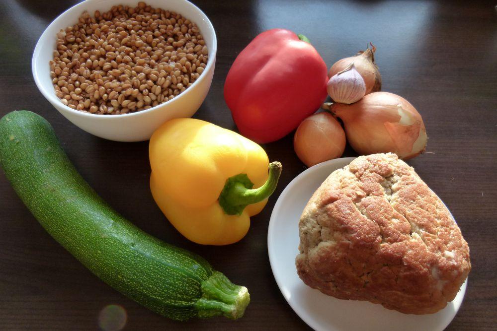rezepte mit weizen herzhafte weizenpfanne mit seitan vegetarische rezepte. Black Bedroom Furniture Sets. Home Design Ideas